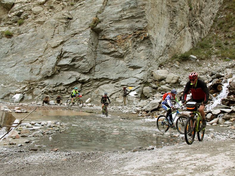 Cycling-Tour-Manali-Leh-6