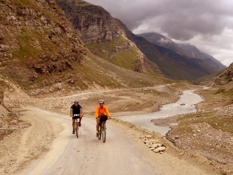 Cycling-Tour-Manali-Leh-1